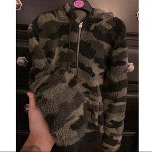 Camo quarter zip hoodie